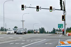 Four lanes of eastbound 128th St. now approach the I-5 overpass.