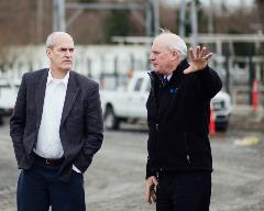 Rep Rick Larsen visits Seaway Transit Center